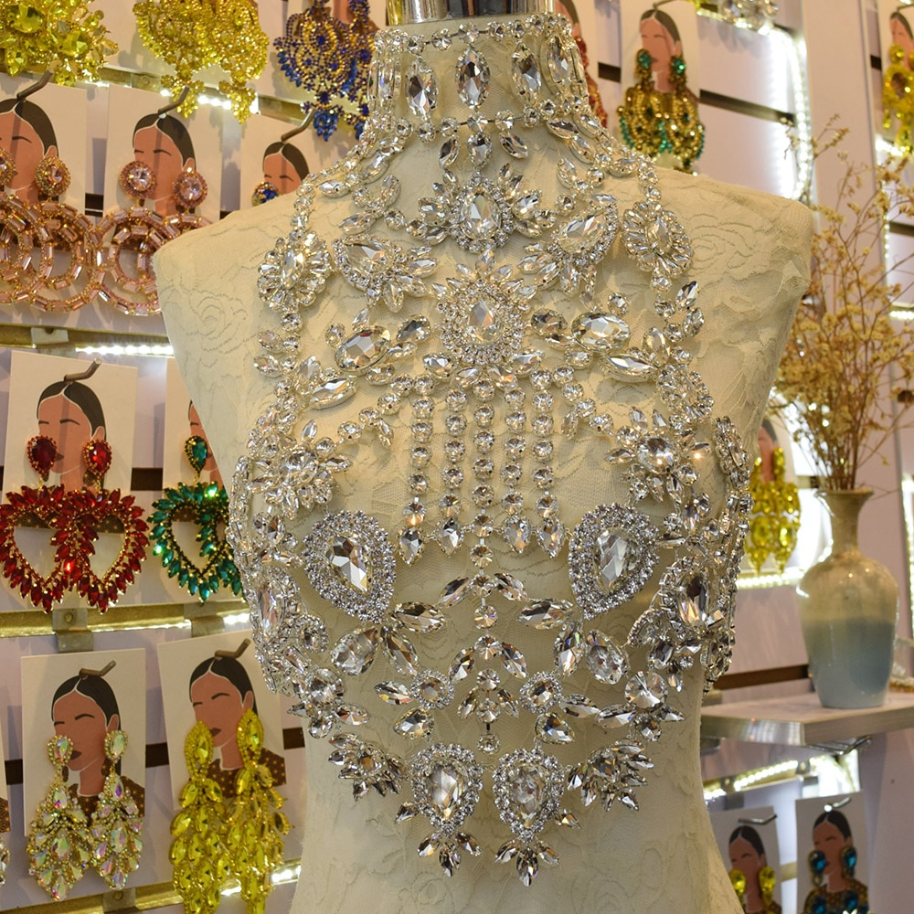 CuiEr ضخمة قلادة للنساء الزجاج الراين كريستال اليدوية الفضة الجسم سلسلة بلينغ مثير الفتيات ملابس فوقية للأزياء تظهر