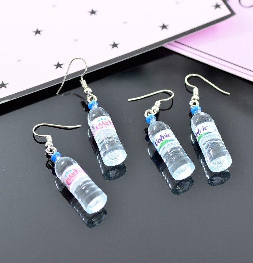 Pendientes creativos de mano de simulación de botellas de agua Mineral pendientes lindos de joyería de moda para mujer
