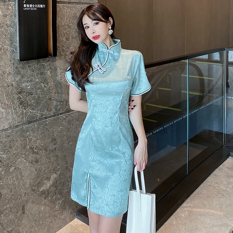 2021 new Chinese style Summer elegant satin jacquard daily young cheongsam improved version mid-length split Satin dress women 2020 new summer new style cheongsam section temperament young section student girls cheongsam improved version of thin dress