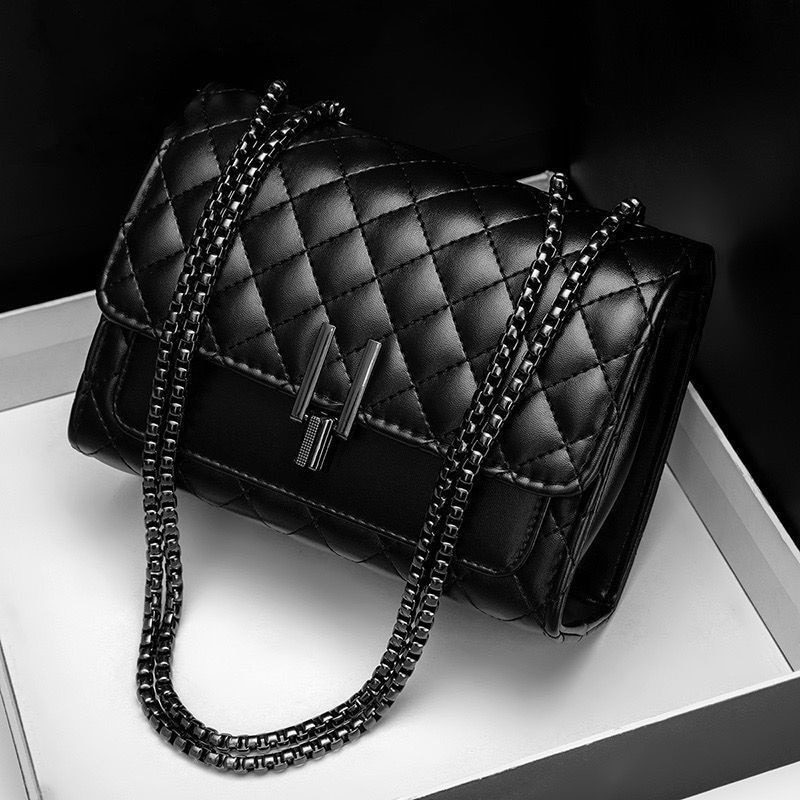 Classic Brand Designer Quilted PU Leather Crossbody Bags for Womens 2021 Simple Fashion Chain Shoulder Bag Lady Luxury Handbags women s luxury designer elegant pu classic quilted vintage shoulder bag chain flap crossbody bag handbag office daily fashion