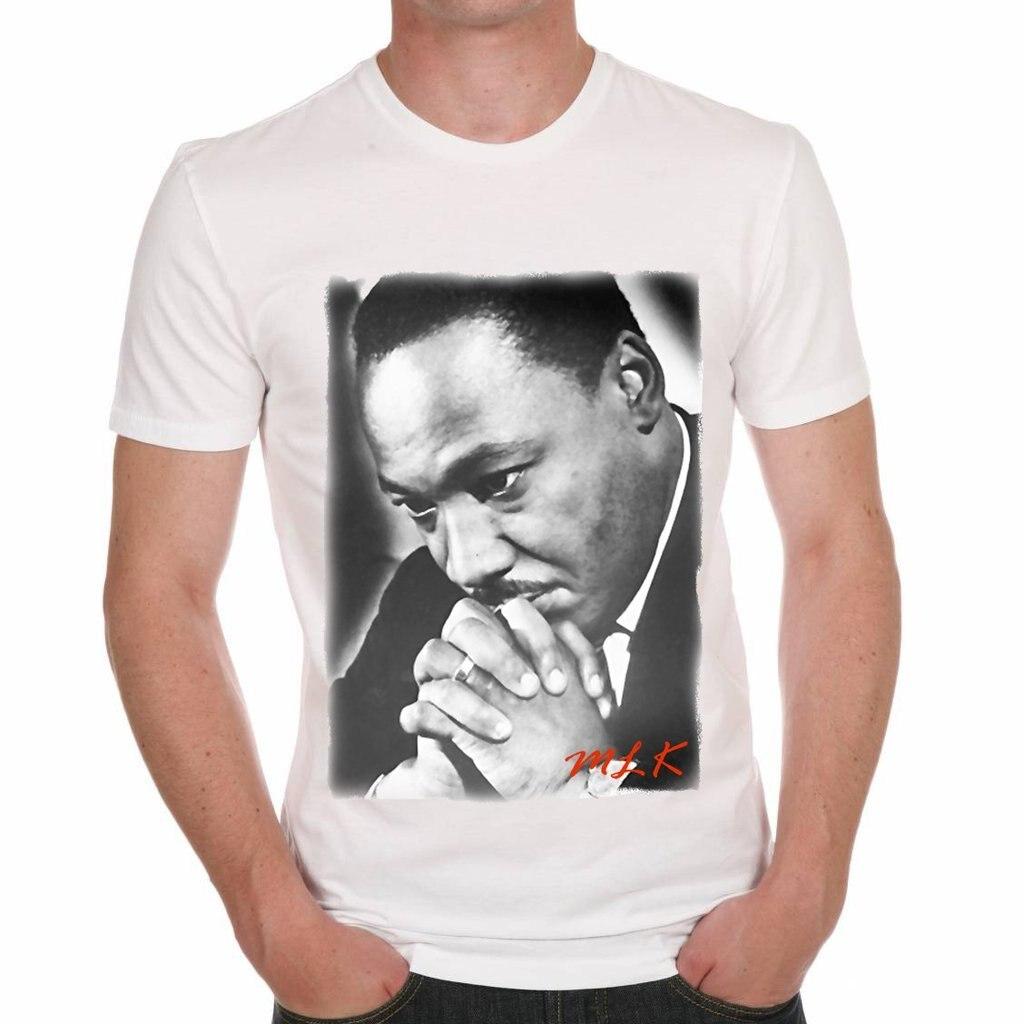 En la ciudad de Martin Luther King curiosos hombres camiseta estrella famosa