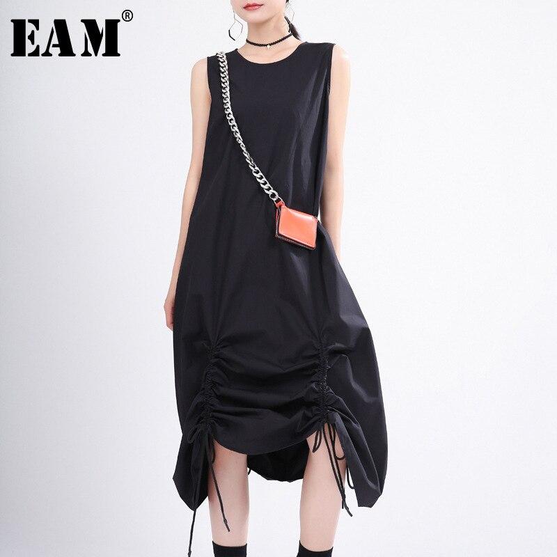 [EAM] vestido negro plisado de cordón largo para mujer, vestido nuevo de cuello redondo sin mangas suelto de moda para primavera y verano 2020 1T356