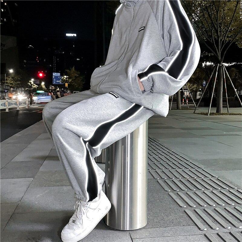 Мужской спортивный костюм со светоотражающими полосками 2021, модные повседневные мужские костюмы большого размера, Корейская уличная мужская одежда
