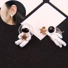 Créatif cosmonaute boucles doreilles espace étoile asymétrique oreille goujon mignon dessin animé personnage boucles doreilles femmes mode bijoux cadeaux