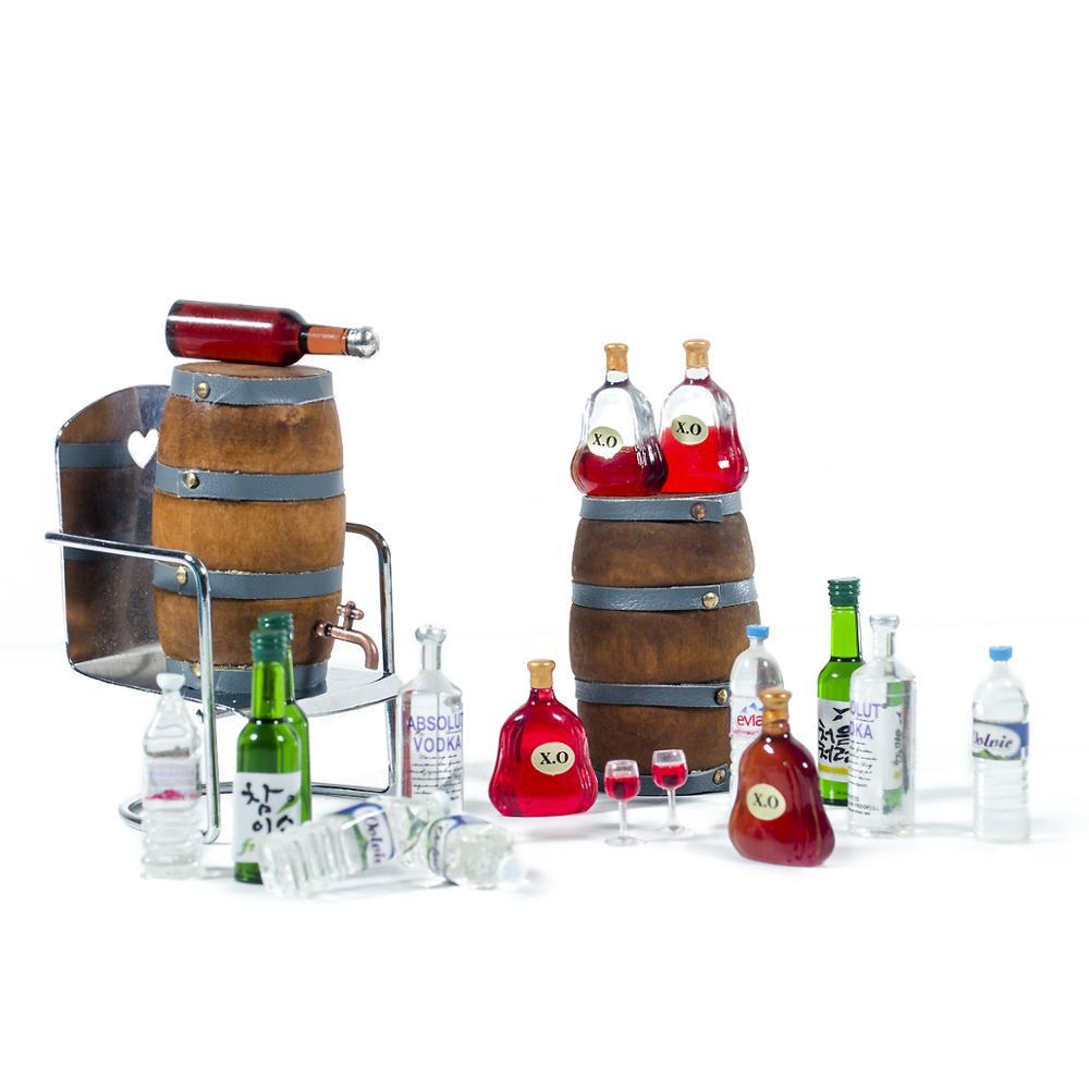 1PCS 1:10 Mini Glass Bottle Wooden Wine Barrel Drink Accessories for 1/10 RC Crawler Car TRX4 Tamiya Traxxas Slash Scx10 D90 T01