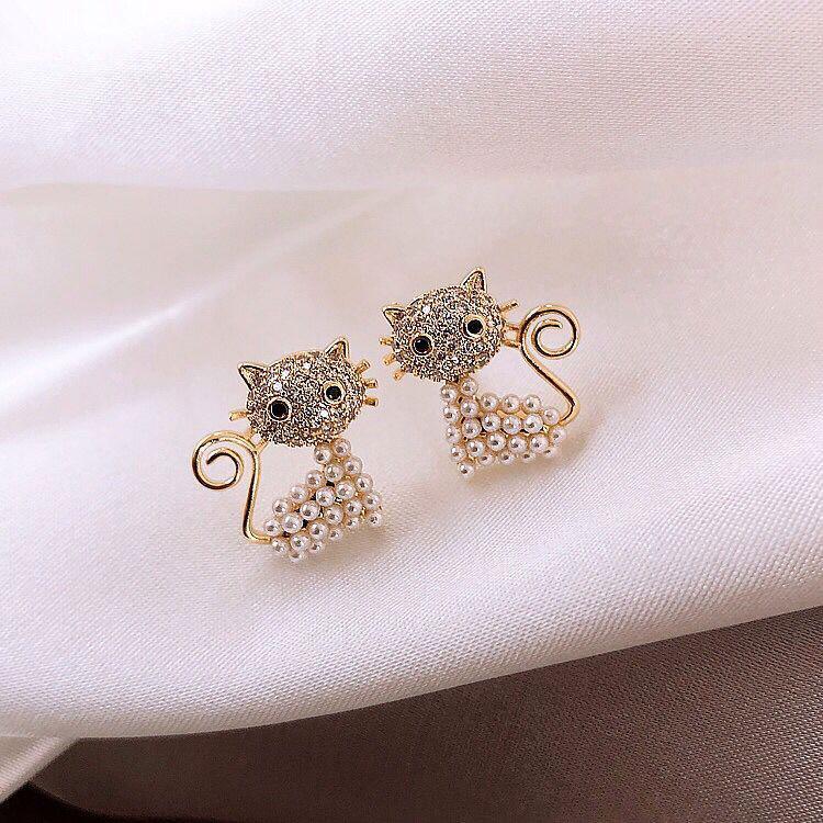 Trendy Pearl Jewelry Earrings Cat Shape White Pearls Gold Stud Earrings for Women Wedding Party Gift Ornament