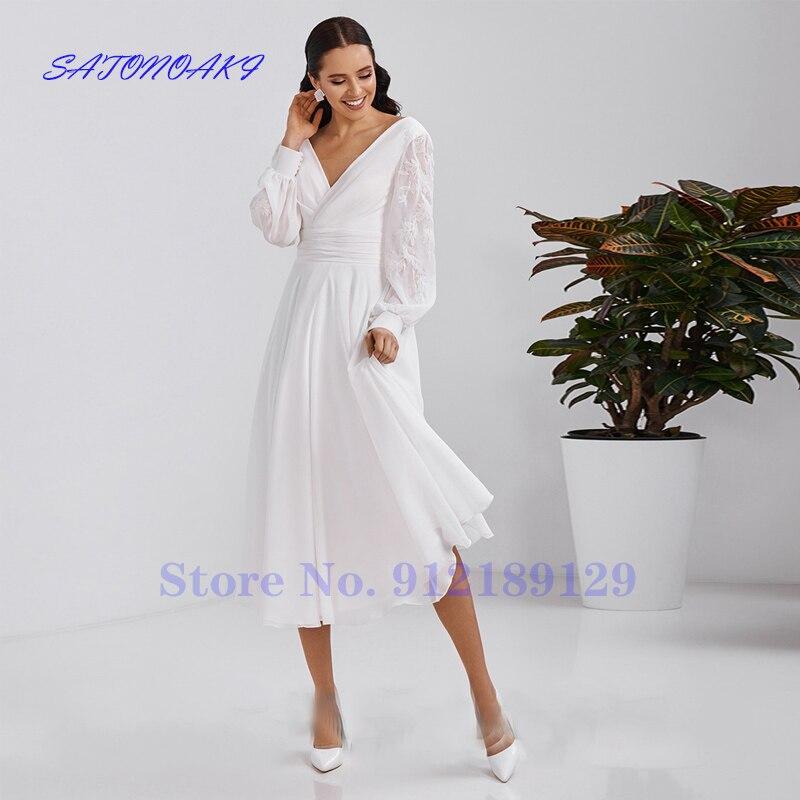 فستان زفاف قصير للشاطئ من Vestidos De Novia 2021 مثير أبيض بأكمام طويلة من الشيفون زي العرائس برقبة على شكل V بدون ظهر رداء De Mariée