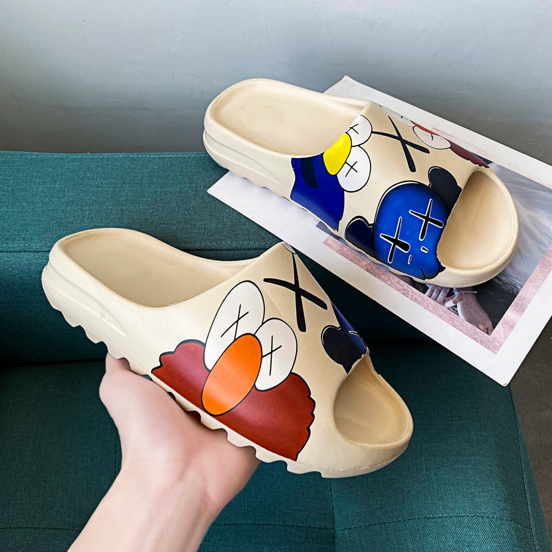 Men's Summer Slides Breathable Cool Beach Sandals Flip Flops Fish Mouth Men & Women Slippers Lightweight Graffiti Big Size 34-46