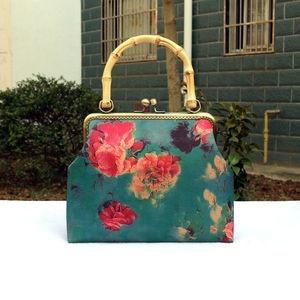 2021 New Chain Wood Hand Fashion Vintage Designer Bags Women Shoulder Crossbody Bags Women's Handbags Purses Fringe
