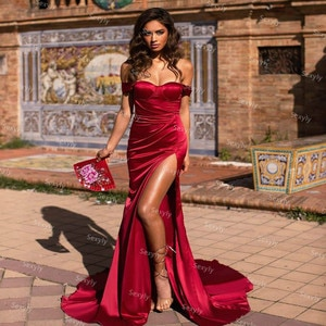 Simple Red Mermaid Evening Dress With Slit Sexy Off The Shoulder Long Formal Dress With Sweep Train Robe De Soirée De Mariage
