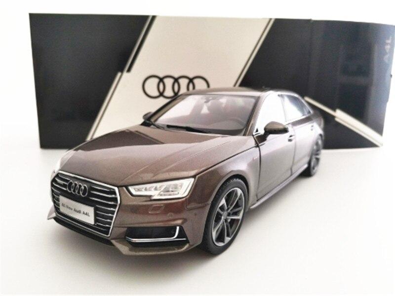 Modelo de coche marrón Audi A4L 1/18