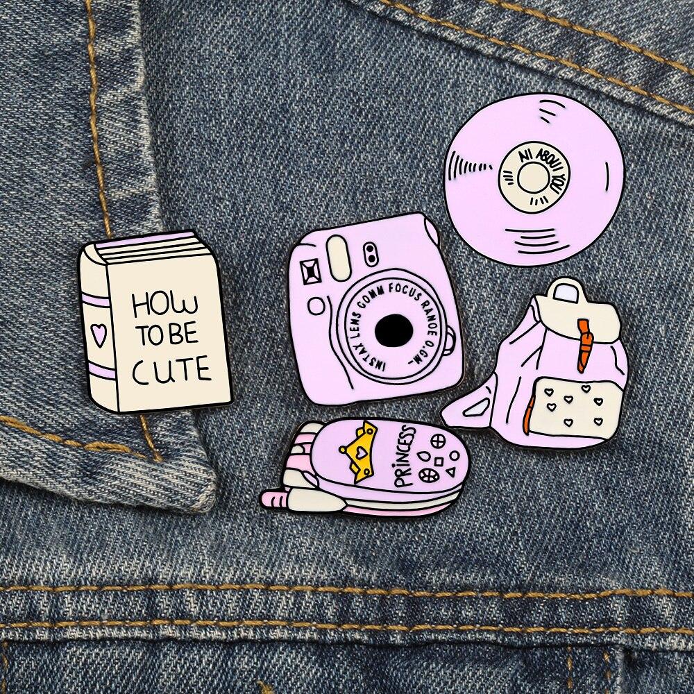 Bolsa de libro rosa de dibujos animados CD teléfono móvil Cámara broche Pin esmalte icono para chaquetas mochila Pin de camisa botón placa de Metal joyería