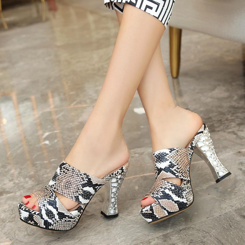 Doratasia-صندل نسائي بنعل سميك وكريستال ، حذاء مفتوح ، حذاء صيفي ، جلد ثعبان ، مقاس كبير 44 ، 2020