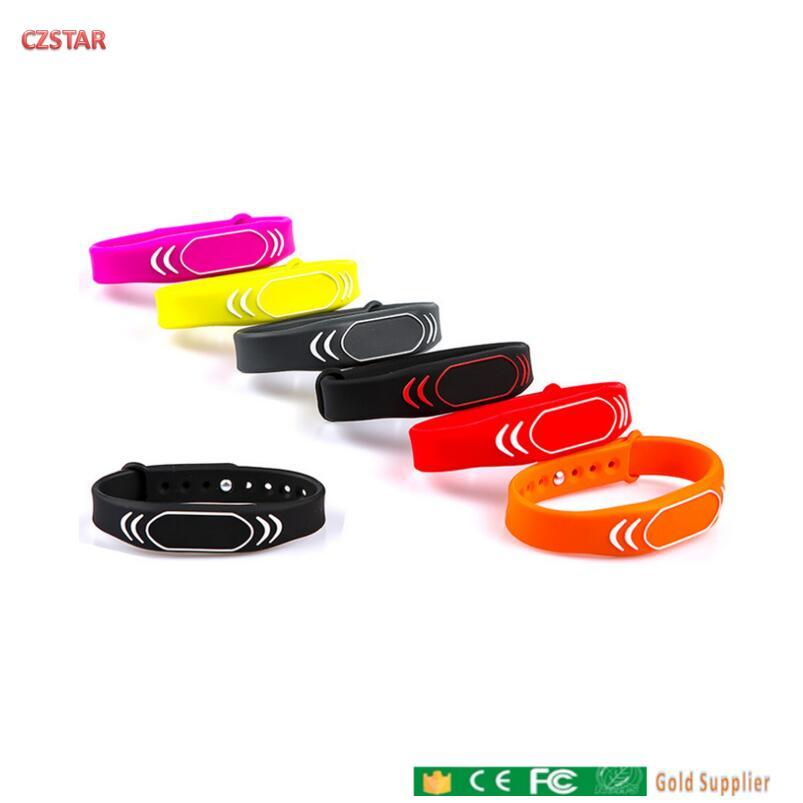 125khz TK4100 colorido rfid pulsera EM4100 etiquetas impermeables ajustables de largo alcance RFID pulsera para puerta
