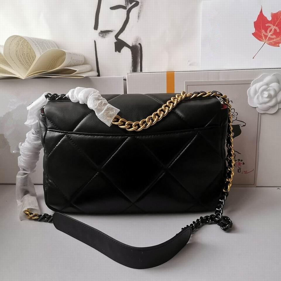 العلامة التجارية الشهيرة الفاخرة السيدات سلسلة حقيبة كتف العلامة التجارية مصمم العلامة التجارية مشبك صندوق مربع صغير