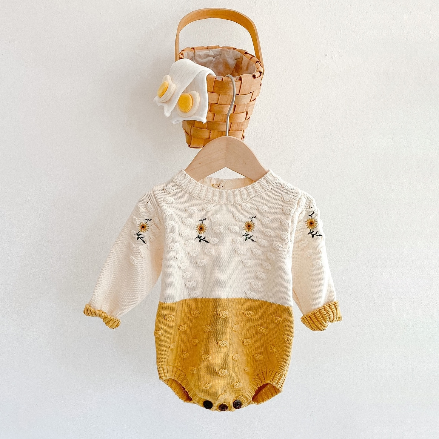 YG Clothes Spring Baby Girl Rompers Girl Long Sleeves Knit Sunflower Embroider Rompers Autumn Baby G