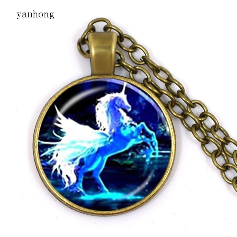 Collar de joyería Yanhong para mujer, collar de cristal, caballo arcoíris, Caiyun, colgante de collar de cúpula de cristal, regalo de cumpleaños para amigos