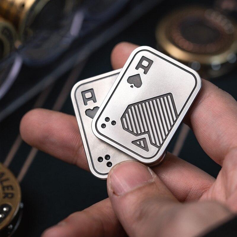 LAUTIE EDC AA KK Lucky Poker Coin Texas Holdem Poker Card Crimper Metal Mini Custom Creative Playing Card enlarge