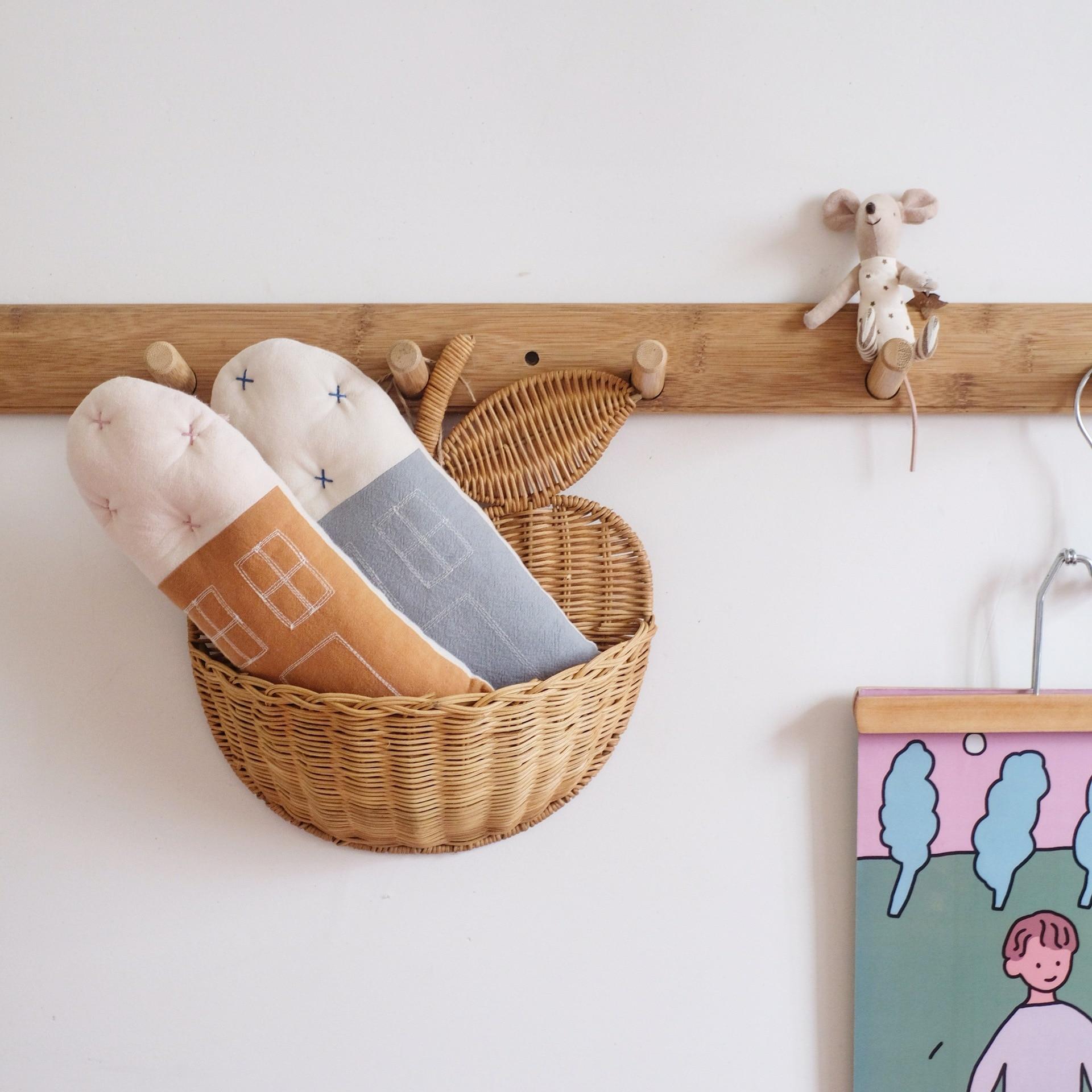 Nordic Style Handmade Rattan Apple Shape Wall Storage Basket Kids Room Wicker Organizer Neatening Nursery Wall Decoration Shelf