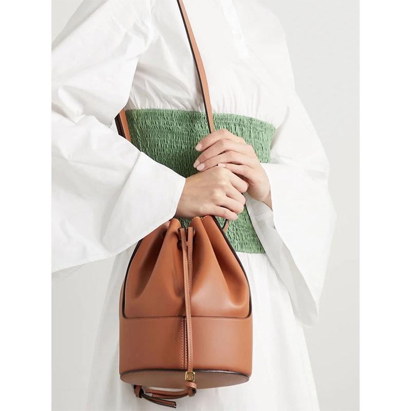 2021 جديد السيدات الرباط دلو حقيبة جلدية فاخرة سعة كبيرة حقيبة يد حقيبة كتف