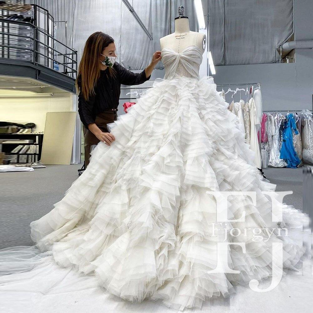 فستان نسائي أبيض نقي وأنيق للفتيات 16 أميرة فستان منتفخ ذو طبقات مكشكشة سهرة رسمية فستان طويل