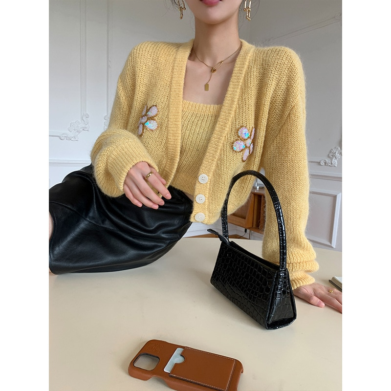 Womens Short  Vest Knitted Cardigan Sweater Long-Sleeve V Neck Casual Sequins Embroidery Knitted Suit enlarge