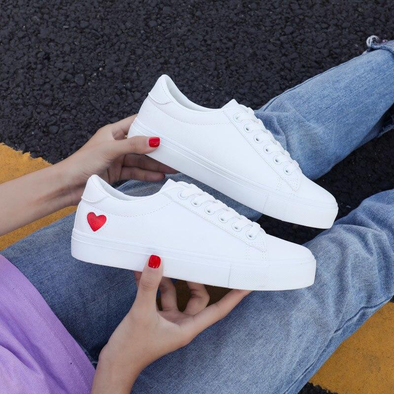Women Canvas Shoes Women Casual Flats Heart Lace-up Fashion Ladies Spring/Autumn Shoes designer Whit