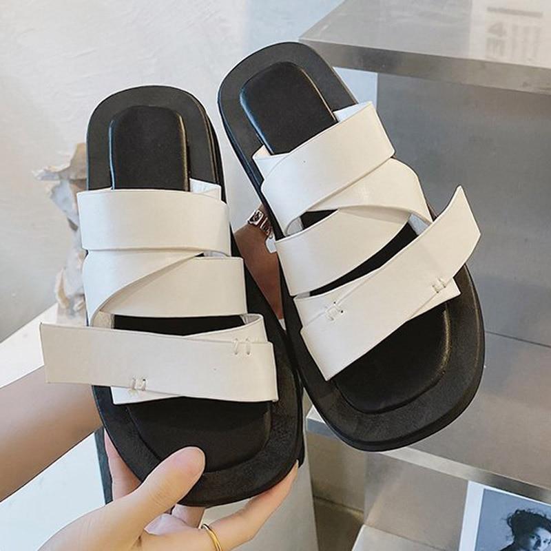 2021 موضة جديدة أحذية نسائية عالية الجودة حذاء كاجوال أفضل مصمم عطلة الشاطئ شقة مريحة النساء النعال
