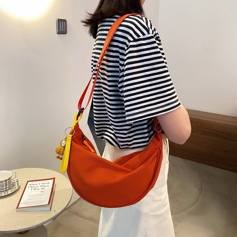 Simple Waterproof Dumpling Bag Women 2021 New Japanese And Korean Versatile Shoulder Bag Light Messenger Bag Fashion Chest Bag