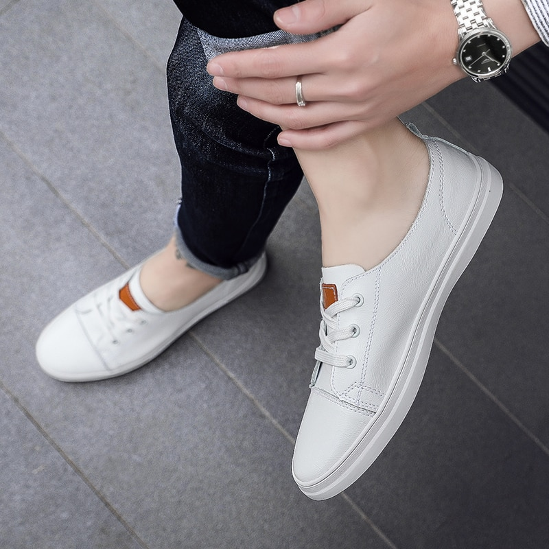 Zapatos casuales de marca de moda 2019 para hombre, zapatos de cuero suave para hombre, zapatillas transpirables con cordones en blanco suave, zapatos planos informales para hombre mocasín