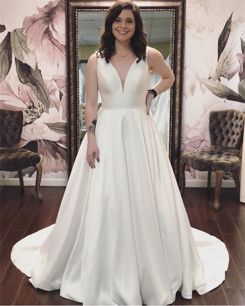 NUOXIFANG Sleeveless Simple sexy V-neck A-line Wedding Dress Custom Satin Vestido De Novia 2020 New Bridal Dresses