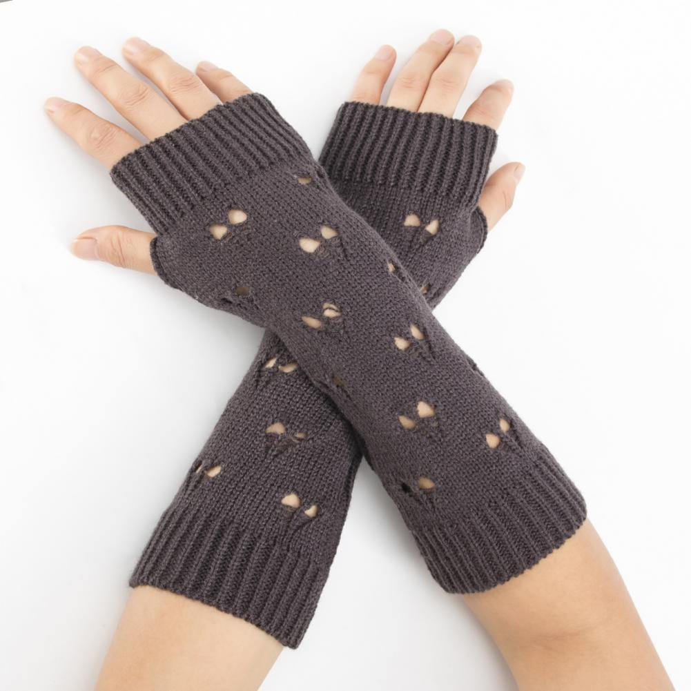 1 Pair Hollow Heart Half Finger Arm Covers Thick Crochet Solid Color Winter Gloves Hand Warmer Half Mittens for AutumnWinter