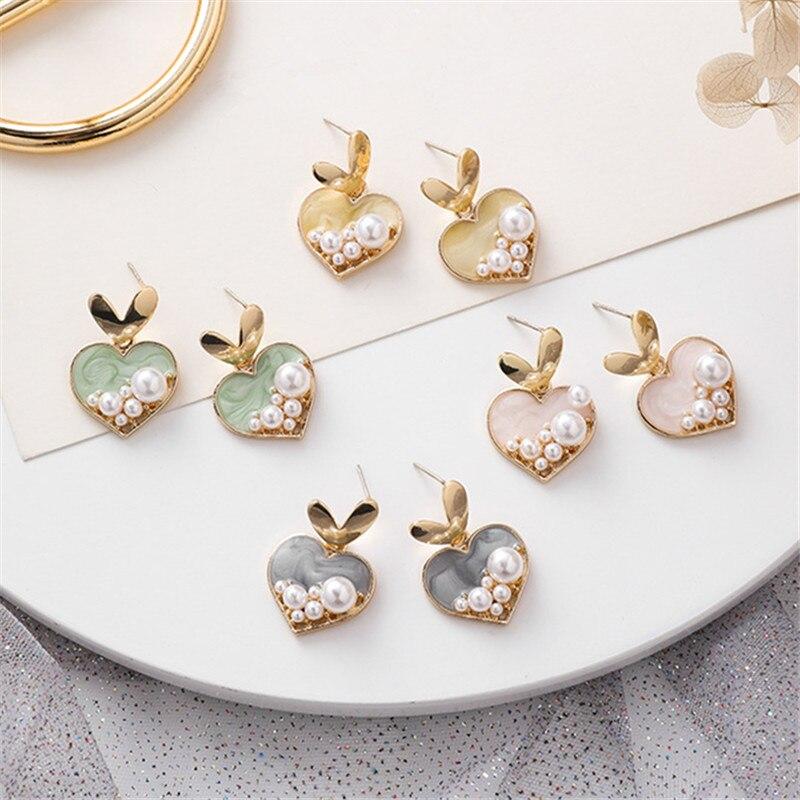 Boucles doreilles en métal pour femmes, bijoux en perles contractées, cœurs en métal pour filles, petites et mignonnes, romantiques, à la mode, 20