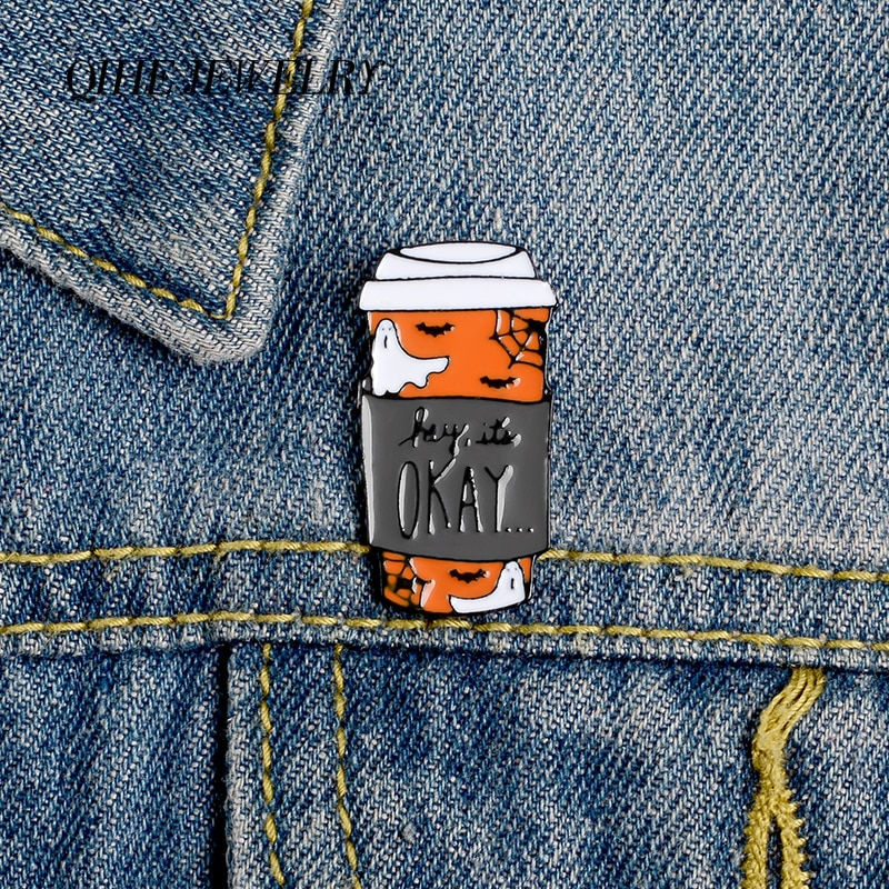 Joyería QIHE Pines de taza de café fantasma araña murciélago Web esmalte pins broches Halloween insignias Denim ropa bolsa pins regalo para amigos