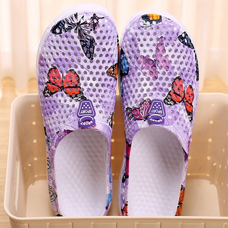 2021 womens casual Clogs Breathable beach sandals valentine slippers summer slip on women flip flops shoes home shoes for women
