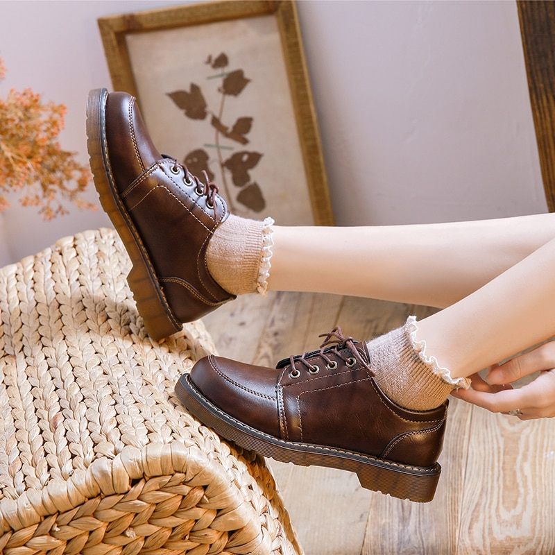 Women Shoes England Style Leather Shoes Flat Heel Round Toe Lace Women Retro Brogue Shoes Student Autumn Oxford Flats women slipper gold embroidered animal pattern women flats bow tie decor women shoes cover toe fashion chic suede autumn shoes