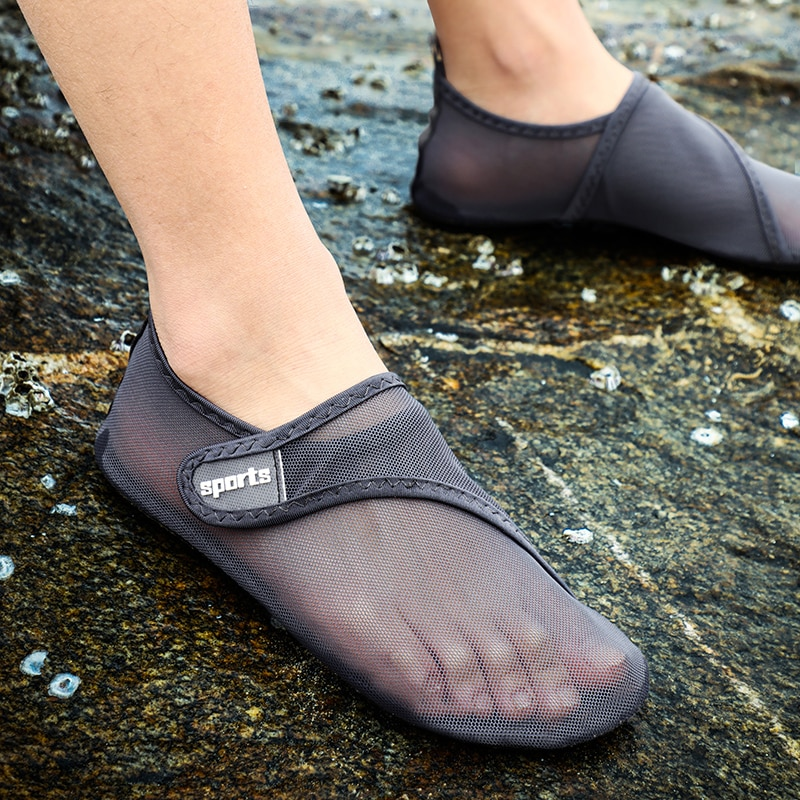 2021 Beach Water Shoes Quick-Drying Swimming Aqua Shoes Seaside Slippers Surf Upstream Light Sports