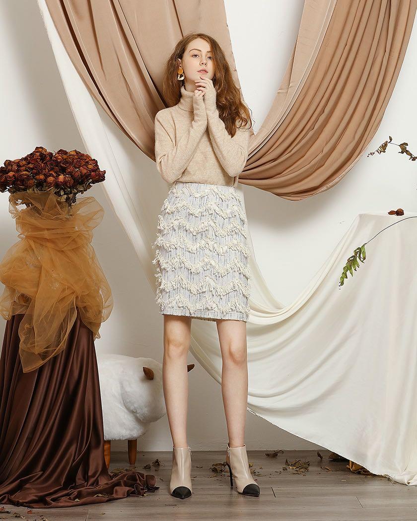 Women's Elegant Shepherd's Dark Gold Textured Skirt