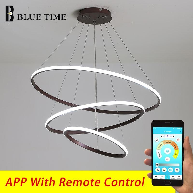 مصباح سقف LED معلق على شكل حلقة بيضاء ، تصميم حديث ، إضاءة داخلية ، إضاءة سقف زخرفية ، مثالية لغرفة المعيشة أو غرفة الطعام أو غرفة النوم.