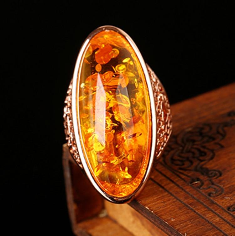 Женское Винтажное кольцо с крупным овальным камнем