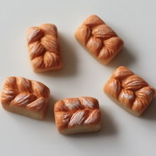 20/50pcs Kawaii résine Simulation alimentaire pain français Flatback Cabochon embellissement accessoires bricolage Scrapbooking