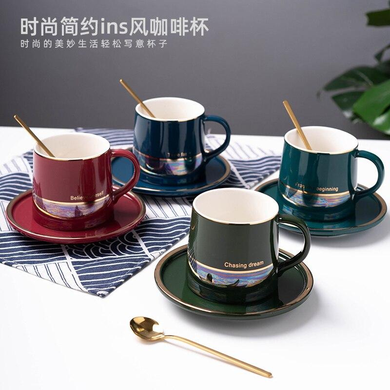 Taza de café de cerámica con tapa y cuchara de nuevo diseño pintado en oro, porcelana creativa de estilo nórdico para el hogar, regalo para cafetería