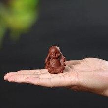 Yixing artesanal arcilla té adornos novicios pequeño monje Mini lindo té pequeño adornos juego de té accesorios de juego de té mini