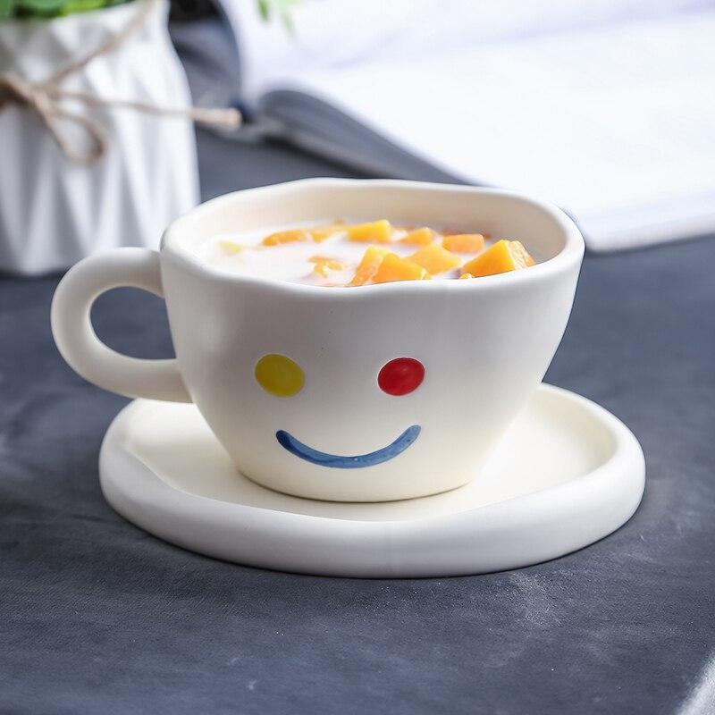 الإبداعية اليدوية ابتسامة كوب و لوحة السيراميك الإفطار القهوة الحليب الشاي القدح الأبيض غير النظامية كيك تحلية طبق لطيف هدايا لها