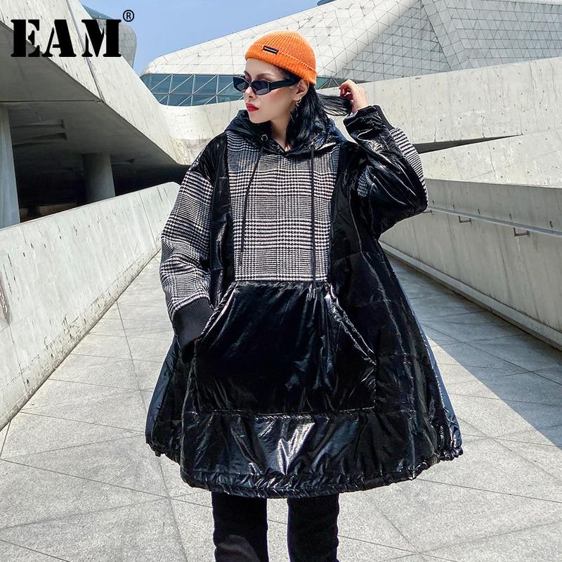 [EAM] Loose Fit Plaid Oversized Cotton-padded Sweatshirt New Hooded Long Sleeve Women Big Size Fashion Tide Spring Autumn 2020