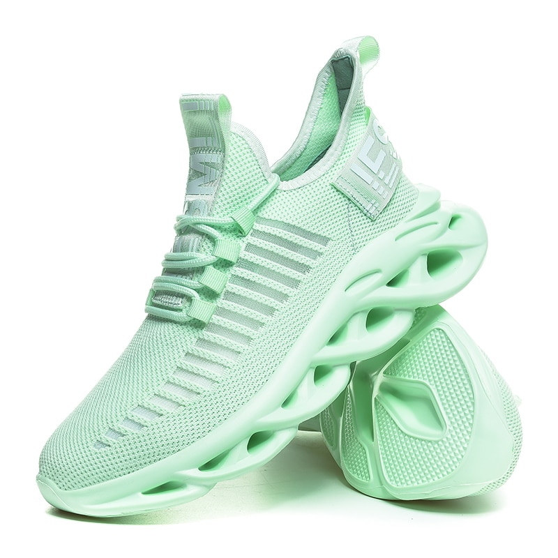 2021 Fashion Large Size Flying Woven Mesh Lightweight Breathable Casual Shoes Sports Shoes Breathable Walking Men's Flat Shoes