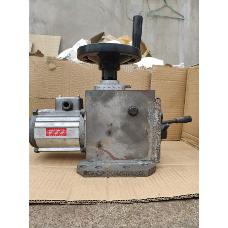 Drilling and milling machine ZX6350 50C 7550 with 06 automatic gear feeder gearbox mechanical feeder enlarge