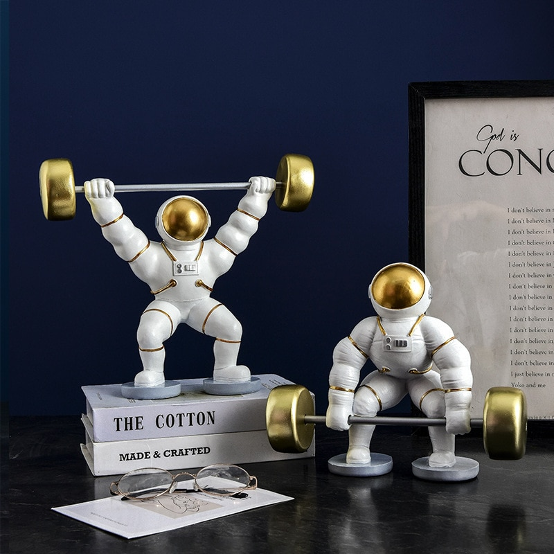 Weightlifting Astronaut Ornaments TV Cabinet In Tea Table Porch of Home Living Room Creative Astronaut Decoration Resin Crafts