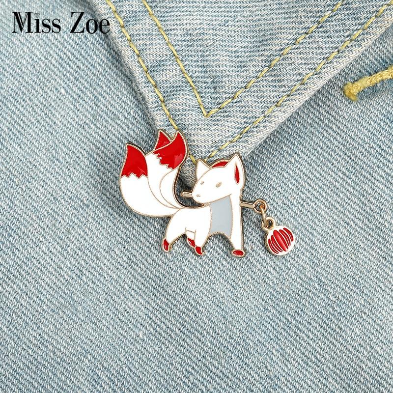 Nove de cauda raposa esmalte pino personalizado estilo japonês de fadas animais broches saco lapela pino emblema bonito dos desenhos animados jóias presente para amigos