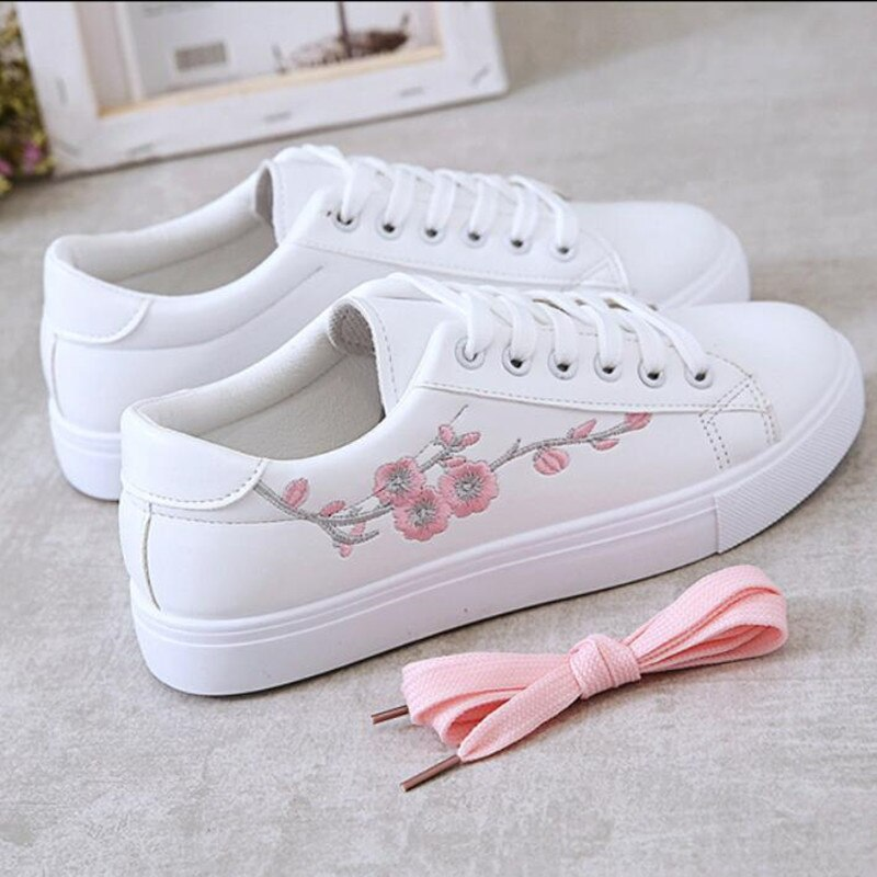 2021 Spring Fashion Breathble Vulcanized Shoes Women Sneakers Pu leather Platform Shoes Women Lace up Casual Shoes White A530